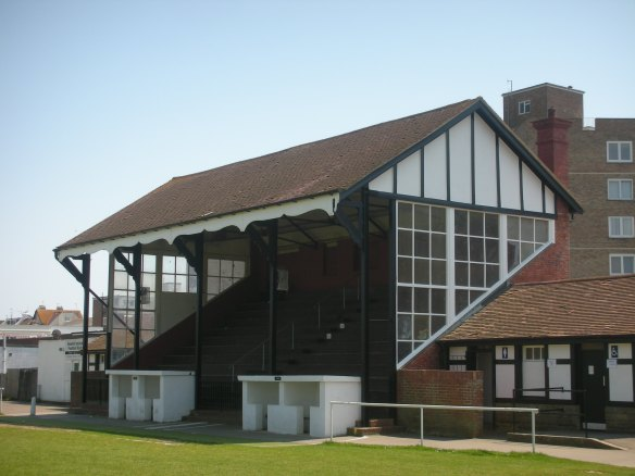 Bexhill United (3)